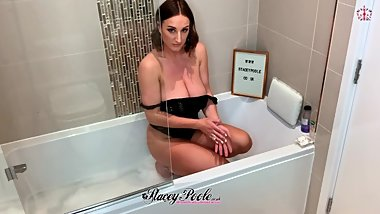 Bath time with Stacey Poole - Full HD video !