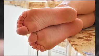 SOPHIA LUX FEET {CLOSE-UP} {SlideShow} {HD}