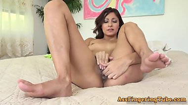 Jade Jantzen Plays With Her Pussy and Cums Just Right